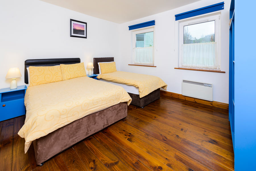An Capall Dubh Self-catering twin room