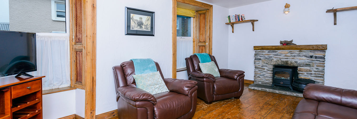 An Capall Dubh Archway living room