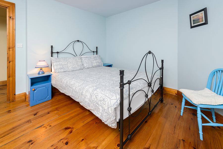Dingle self-catering bedroom